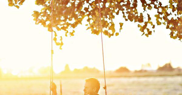 Engagement Photo Idea. Tree swing.