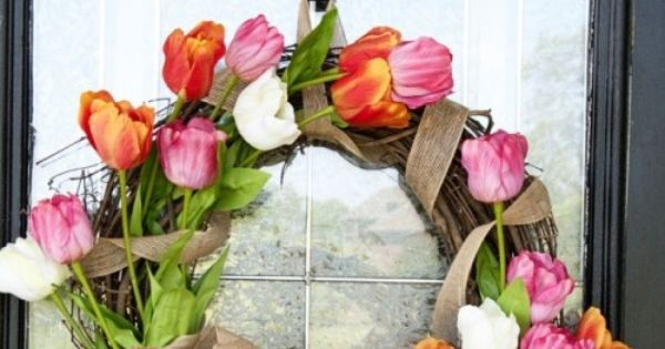 Cute tulip wreath. Make for mom's mother's day gift. Shhhh, don't tell,