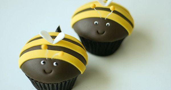 Bee Cupcakes Love!