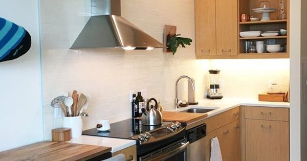 Anna 39 s cozy modern studio small cool apartment therapy for Small kitchen ideas apartment therapy