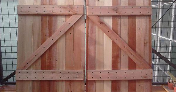 Puertas hechas con maderas recicladas de pallets diy for Reciclado de puertas