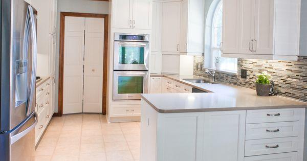 Kitchencraft Cabinets Lexington Door In Seashell Glazzio Sag Harbor Gray Tile Caesarstone