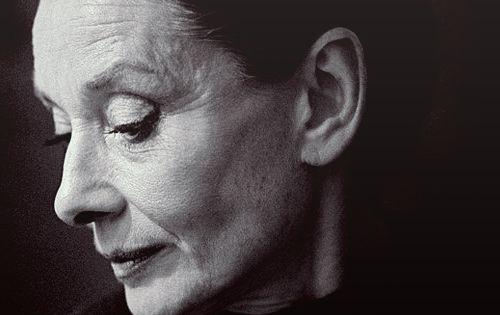 Beautiful Audrey Hepburn photographed by Vincent Mentzel, 1988.