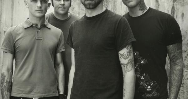 Rise Against: There's something about deep singing voices I like! \m/♥