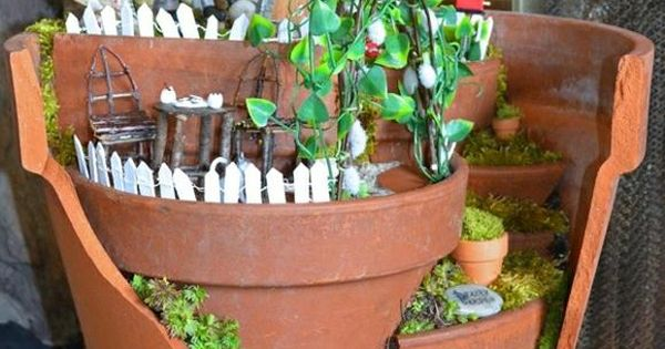 Pot de fleur terre cuite parfait pour la d co de jardin fleurs ext rieures decoration - Deco pot de fleur terre cuite ...