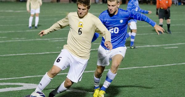 Turning The Corner For A 1 0 Victory Over Concordia University Wisconsin Is The Uw Oshkosh Titans Men S Soccer Team Men S Soccer Teams Mens Soccer Soccer Team
