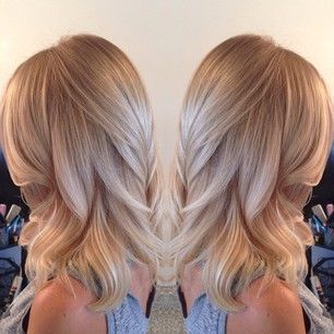 24 Champagne Blonde Hairstyles For Women Pretty Designs Hair Styles Hair Beauty Champagne Blonde