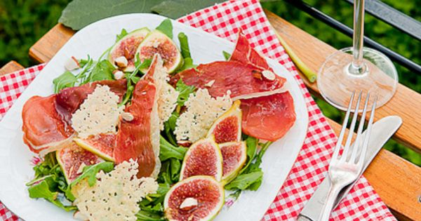 fig salad with crispy prosciutto, parmesan chips and ...