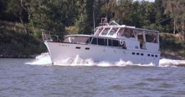 Semper Fi Boat Cabin Cruiser Motor Yacht