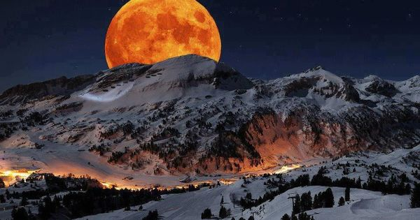 Supermoon - Sierra Nevada Sequoia National Park, California, USA. May 5th, 2012