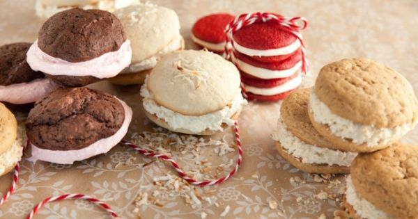 Paula Deen Christmas Whoopie Pies   food and drink   Pinterest   The o ...
