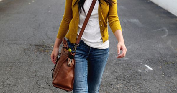 Classic Cardigan, Boyfriend jeans and strappy shoes! - I like the color