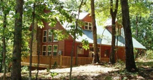 Nature S Retreat Is Truly Luxurious And Perfect For The Romantic Getaway For Two Family Of 4 Or Two Couples Enjoy Th Cabins In Helen Ga Cabin Cabin Rentals