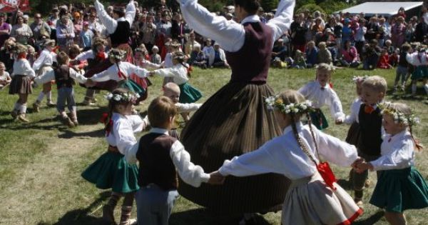 latvian culture Latvian culture in photos - photo gallery of latvia culture, traditions, and customs.