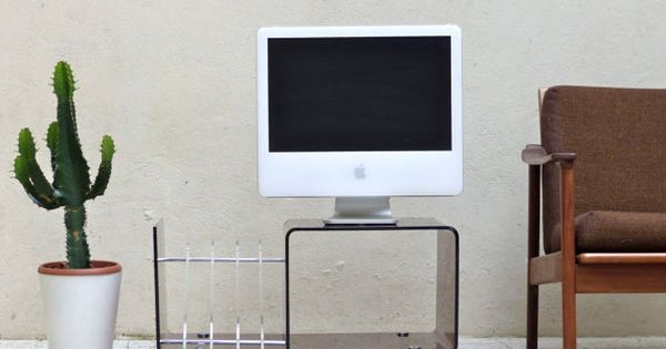 Meuble tv plexiglass porte revue plexiglass par for Revue de decoration interieure