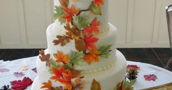 Gumpaste leaves make a colorful fall wedding cake