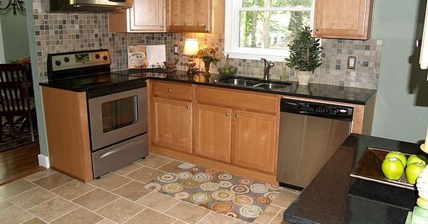 Small kitchen makeovers on a budget home and garden for Small galley kitchen makeovers budget