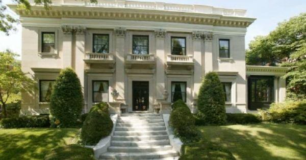 Italianate Design Flat Roof With Ballistrade Dental Molding On Cornice Flat Columns
