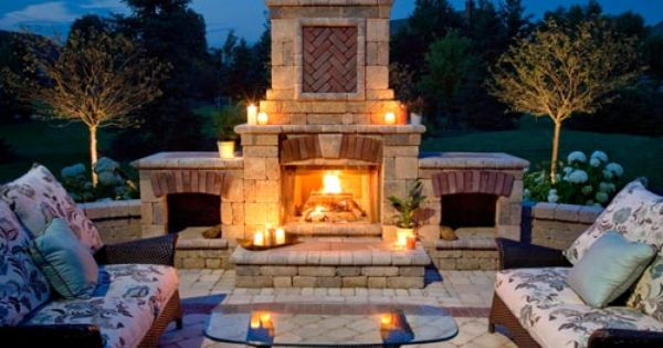 Warm Up To This Outdoor Fireplace And Kitchen This Fall