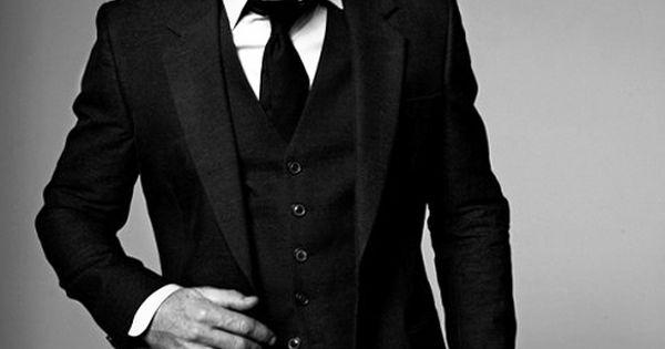 Daniel Craig. 3 piece suit.