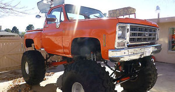 Monster Truck 1978 Chevrolet Scottsdale Stepside 49in Tires 24in