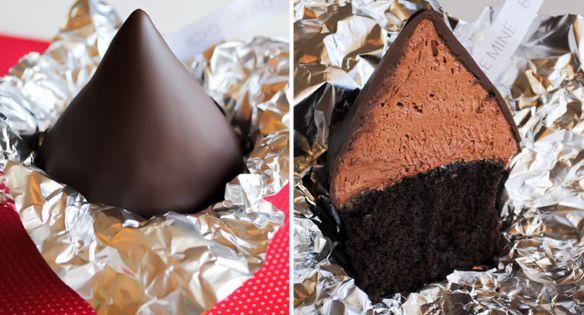 XOXO Chocolate Cupcakes :: 14 Days of Sweet Valentine Ideas Chocolate Kiss