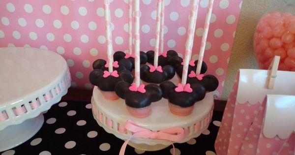 Mini Mouse Cake Pops
