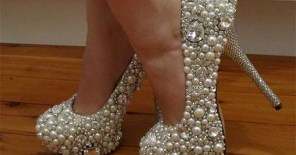 bling bling wedding shoes! these are so my style