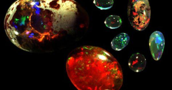 Opal Proporcio Microcristal Lina De Cristobalita I Tridimita Amb 1 30 De H2 O Colors Blanc Negre Etc Sis Stones And Crystals Minerals Crystals Gemstones