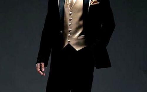 Black and gold tux | Dream come true | Pinterest