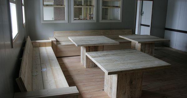 Banken van nieuw steigerhout tafels geheel gemaakt van sloophout gemaakt en gefotografeerd door - Eigentijdse keuken tafel ...