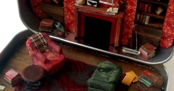 Mini 221B Baker Street in an Altoid tin