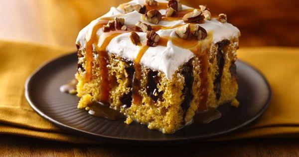 Caramel Drizzled Pumpkin Poke Cake Recipe