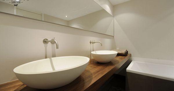 Moderne badkamer met wastafel in notenhout het badhuys breda moderne badkamers l het badhuys - Moderne wastafel ...