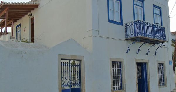 19th Century Traditional Seafront House Maisons A Louer A Spetses Grece Mansions Building Outdoor Decor
