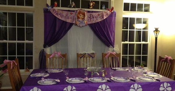 Sofia The First Cake Table Decoration Buscar Con Google Baby Shower Pinterest Birthdays