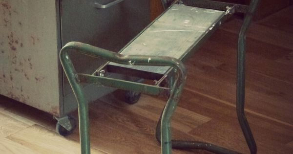 ancien banc en m tal et bois. Black Bedroom Furniture Sets. Home Design Ideas