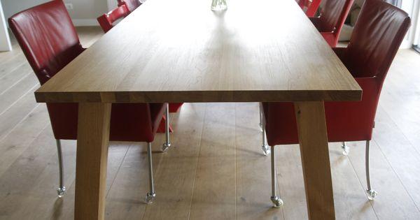 Grote eettafel of liever leeftafel van massief hout mooi eenvoudig en minimalistisch ontwerp - Zeer grote eettafel ...