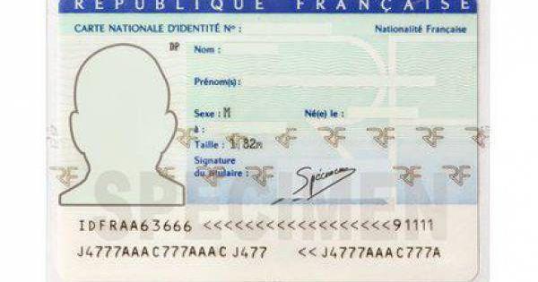 La Carte Nationale D Identite Securisee Est Un Document Qui Permet