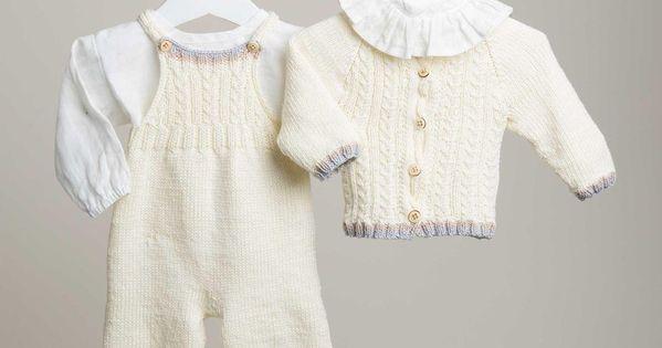 Sticka vårt klassiska babyset med kofta, hängselbyxa, sockor