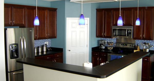 kitchen wall color and backsplash