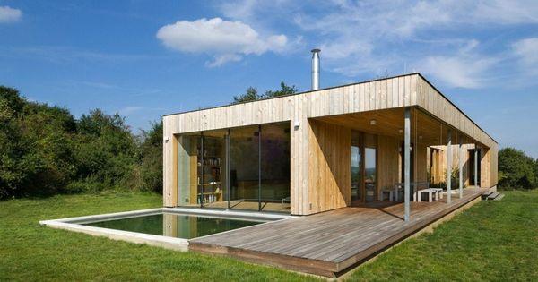 architecture pur e et mat riaux naturels le contraste des essences de bois de la terrasse et. Black Bedroom Furniture Sets. Home Design Ideas