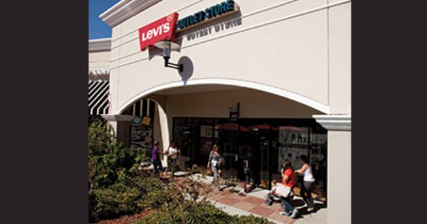 Levi S Outlet Store Is Now Open Come In And See What Is New We Are Located At The Front Of The Mall Between Carte Orlando Outlet Levis Outlet Outlet Store