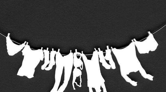 Collier linge suspendu sur corde linge blog lessive for Stickers fil a linge