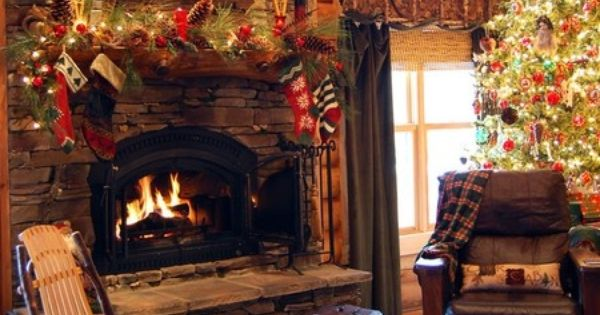 Fireplace Mantel Christmas Decorating Ideas | 27 Inspiring Christmas Fireplace Mantel Decoration