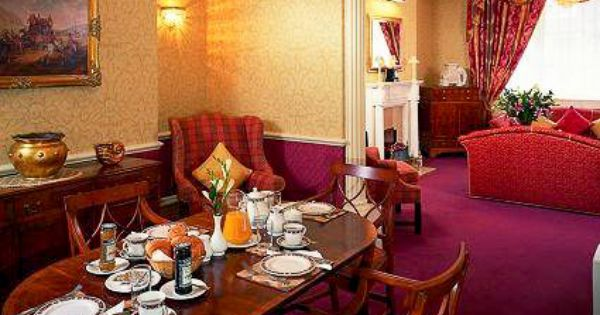 Dine In Elegance When You Stay In This Inviting Furnished Apartment Rental In London Uk Bring The London Apartment Furnished Apartment Rental Apartments