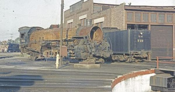 Frankfort Roundhouse Sept 1958 Photo Taken And Contributed By Bill Fisher And Is Protected By Copyright Railroad Photography Round House Model Train Layouts