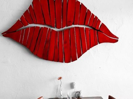 Red lips made from pallet wood. Love it!!