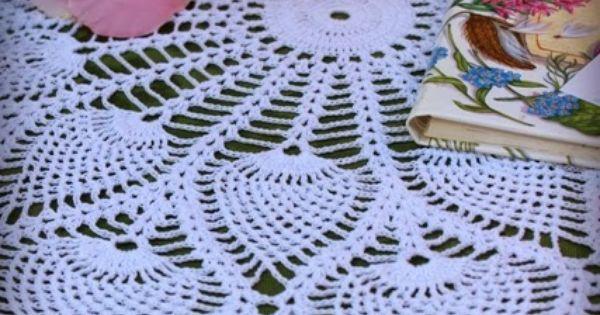 Lacy Crochet: Royal Pineapple Table Topper   Crochet ...