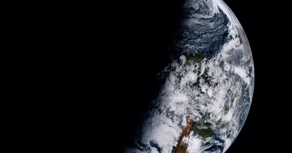 Satellite S 1st Views Of Earth And Moon Are Jaw Dropping Earth Weather Weather Satellite Earth
